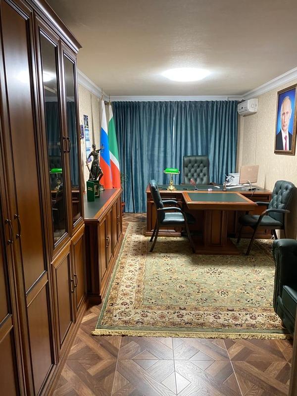 Мебель в отличном состоянии - рабочий кабинет