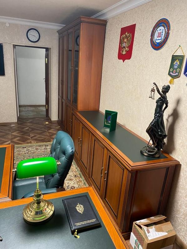 Мебель в отличном состоянии - рабочий кабинет 5