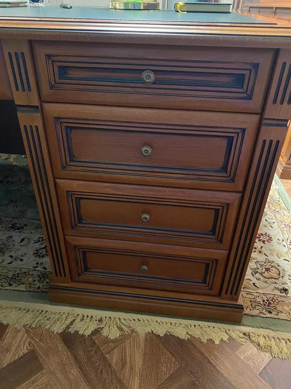 Мебель в отличном состоянии - рабочий кабинет 6